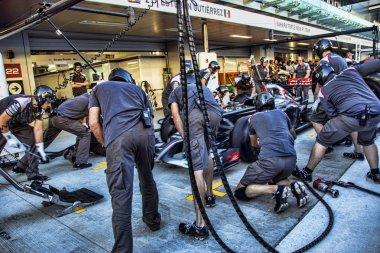 Mechanics Esteban Manuel Gutirrez Gutirrez work pit stop