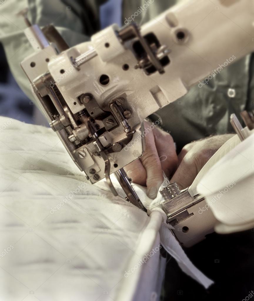 Macchine per cucire industriali per tappezzeria - Foto ...