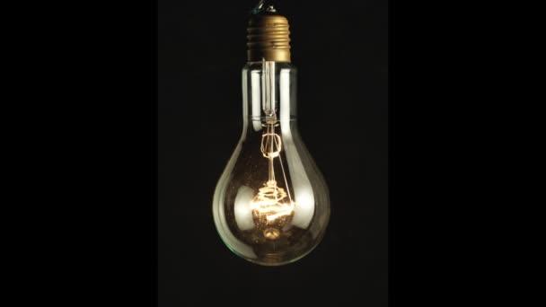 Zapnutí a vypnutí žárovky