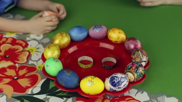 Preparation of easter eggs, the feast of the passover