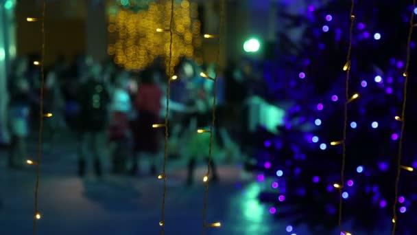 Novoroční disco u vánočního stromu