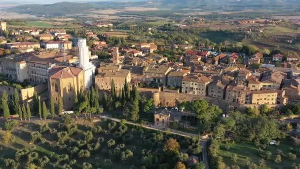 Toskana, Italien. Luftaufnahme von Pienza, einer Stadt und Gemeinde in der Provinz Siena