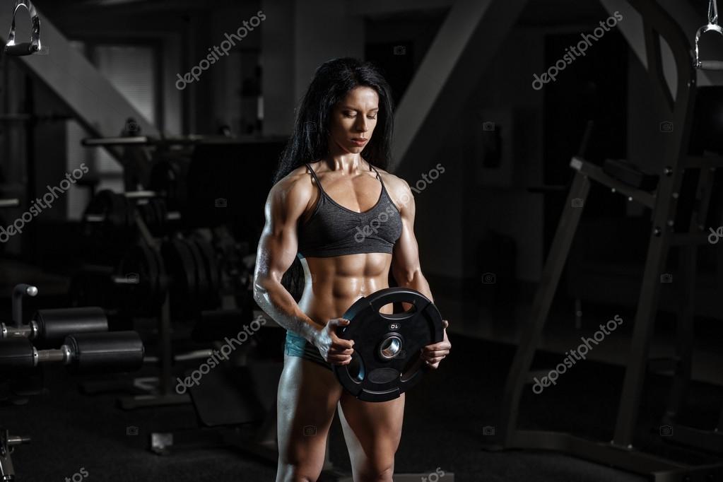 2c1de8b1a3867 Seksi fitness kadın spor giyim gy mükemmel fitness vücut ile — Stok fotoğraf