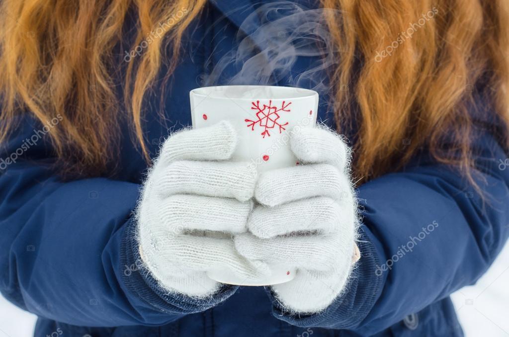 Hands winter snow