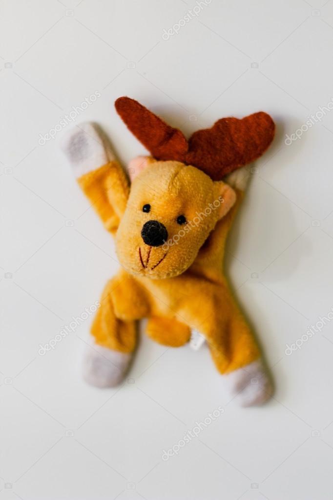 Spielzeug-Hirsch für den Kühlschrank — Stockfoto © Original.18 ...