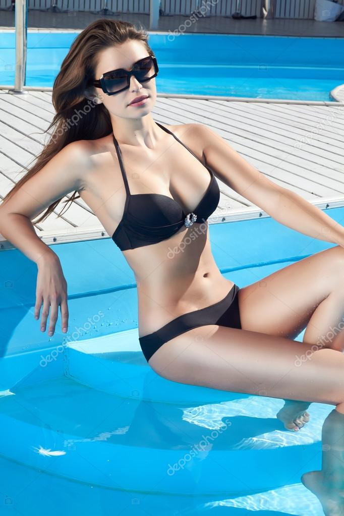 swimming Erotic pool videos