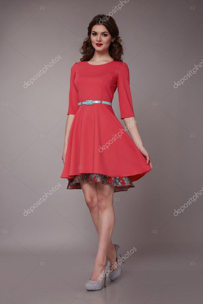 A szexi szépség üzleti nő a divat ruha tökéletes karcsú test — Stock ... ec75865257