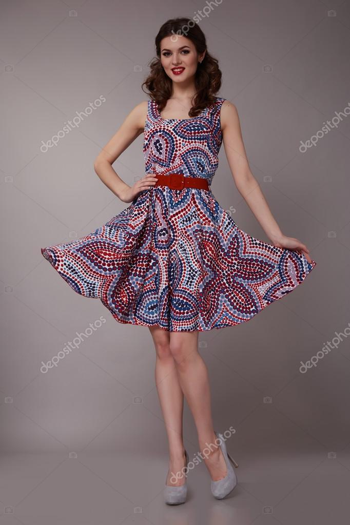 Mujer de negocios de belleza sexy de moda vestido perfecto cuerpo ...