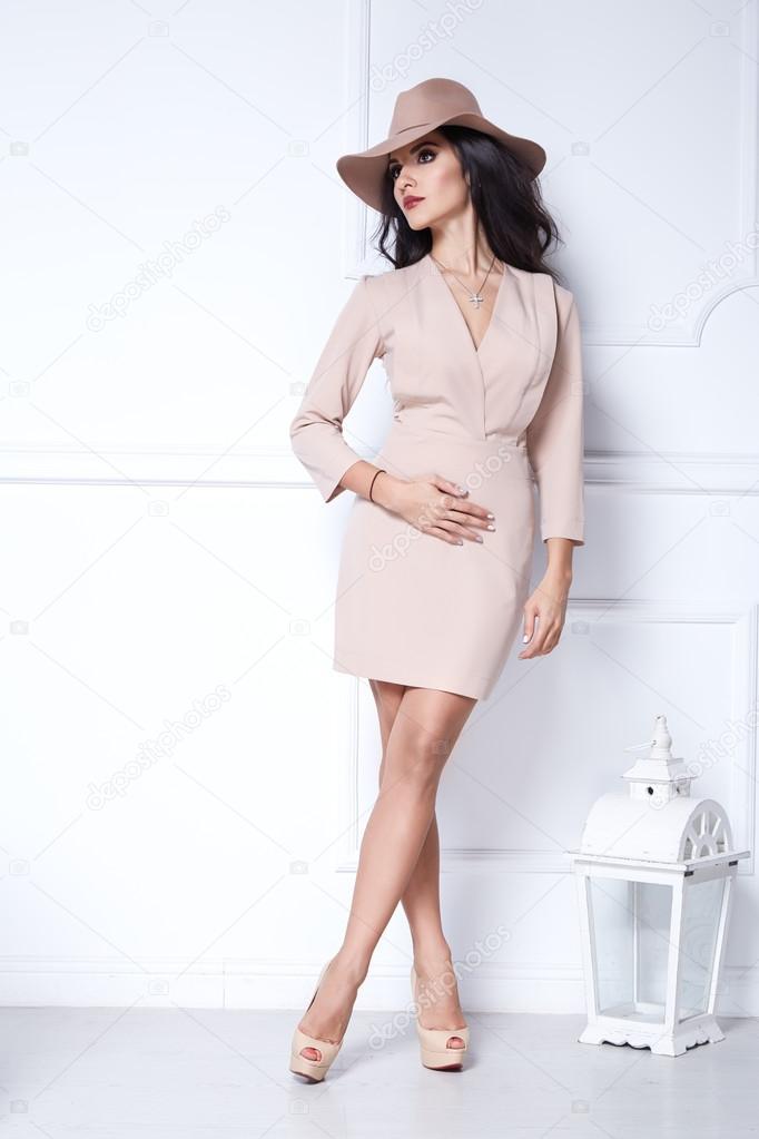 Maquillage pour robe beige