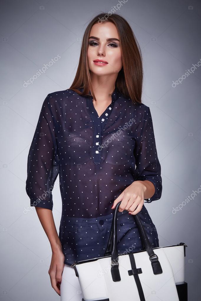 2cc1c72d8378 Женская одежда косметика Каталог коллекции моды стиль– Стоковое  изображение. Женская одежда косметика ...