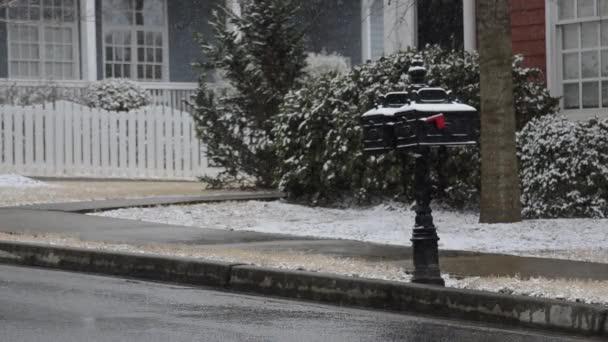 hó hullott a postaládák