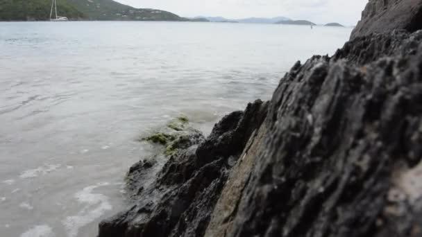 vlna přes rock mytí