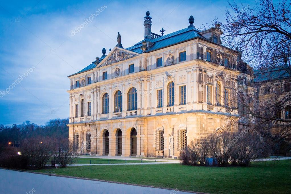 Palais Grosser Garten Stock Photo Robertkuehne 96028098