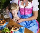 bavorské chlapec s matkou