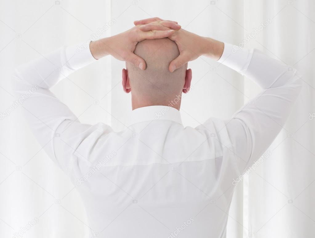 печать фото лысых мужчин со спины могла самостоятельно остановить
