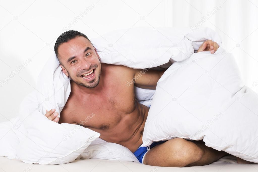 Mann Im Bett Stockfoto Wernerimages 54491903