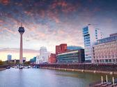 Bunter Frühling Sonnenuntergang des Rheins