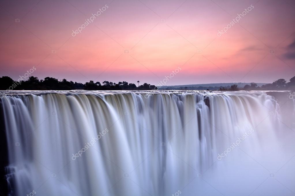 Фотообои Victoria waterfall
