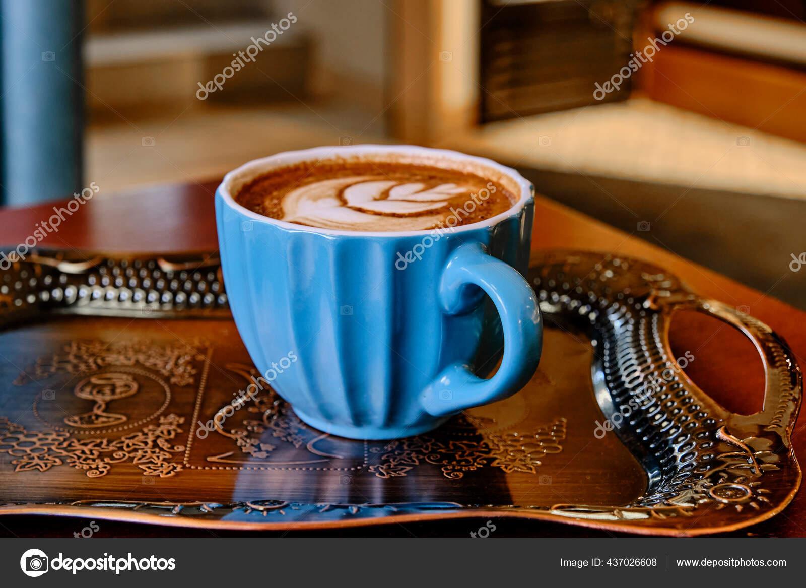 кружка нужно больше кофе