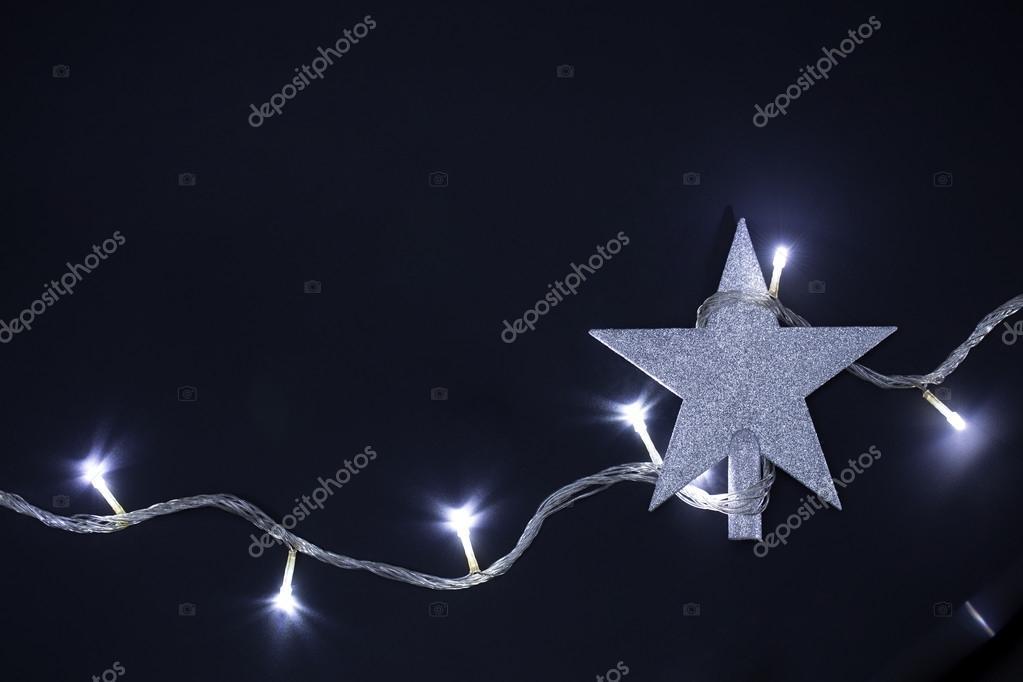 kerstster met kerst verlichting blubs stockfoto