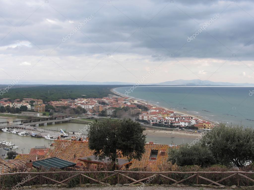 Una vista panoramica della costa toscana a castiglione for Piani domestici della carolina costiera