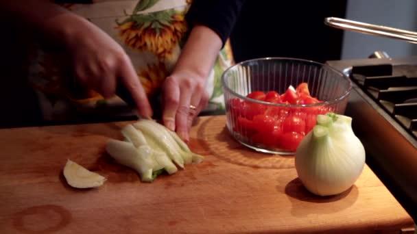 připravuje čerstvá zelenina