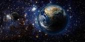 země a vesmíru