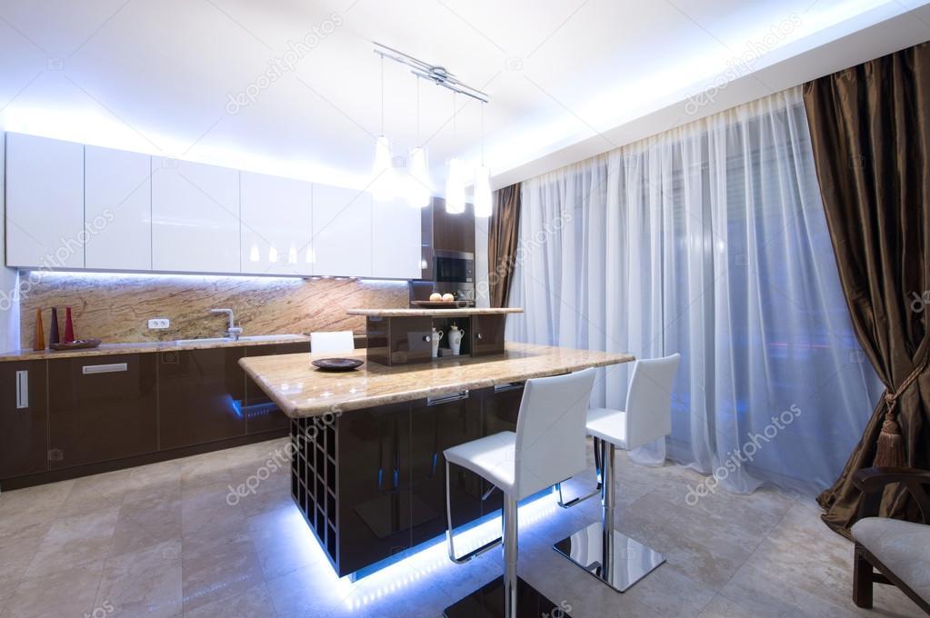 moderne Küche Interieur — Stockfoto © markop #59853697