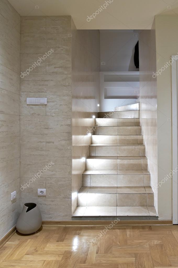 Escaleras de interiores modernas foto de stock markop for Escaleras interiores modernas
