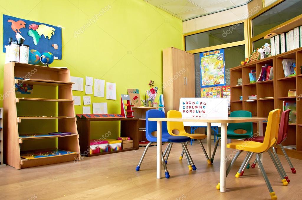 Modern Toddler Classroom : Montessori kindergarten preschool classroom — stock photo