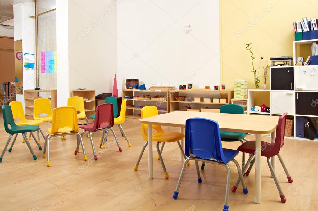 Modern Montessori Classroom ~ Montessori kindergarten preschool classroom — stock photo