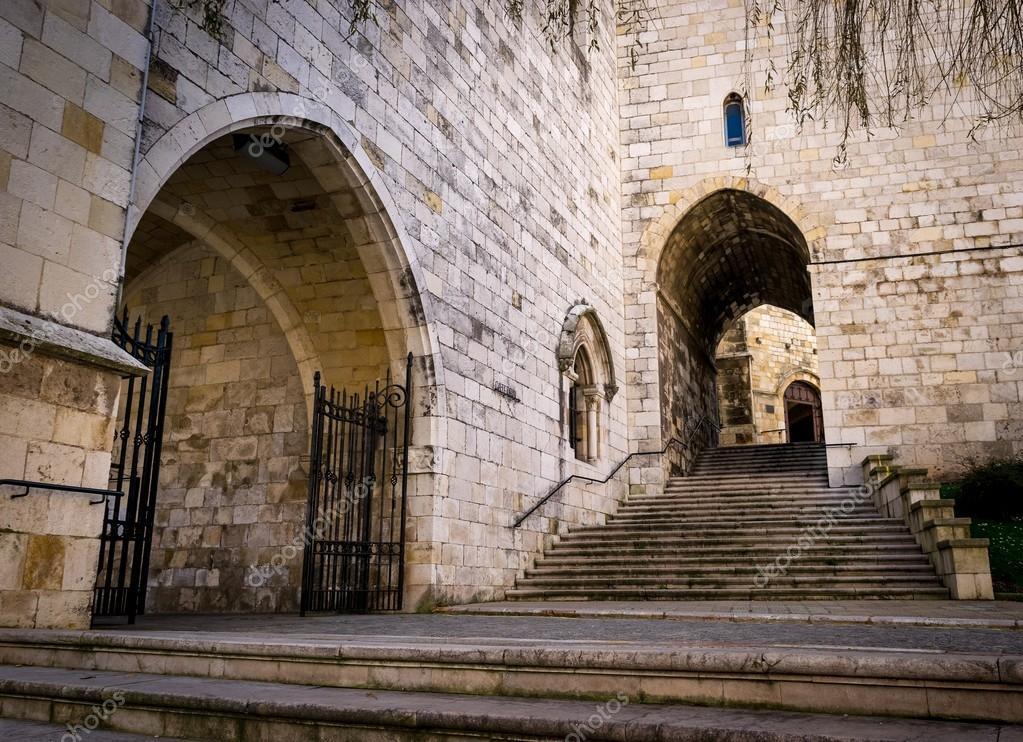 Santander kathedraal gevel en secundaire trap voor toegang