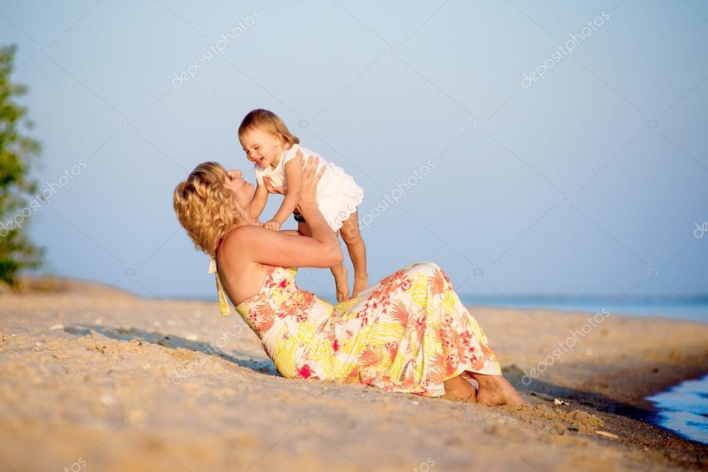 подсматривать на пляже фото