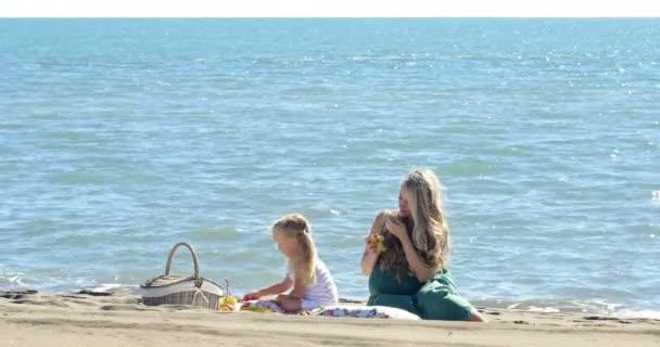 matka a dcera na pikniku