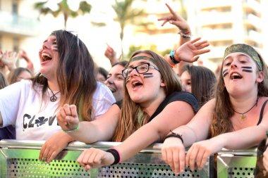 Girls at the Primavera Pop Festival of Badalona