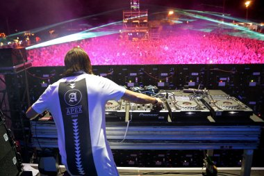 Alesso performs at FIB Festival