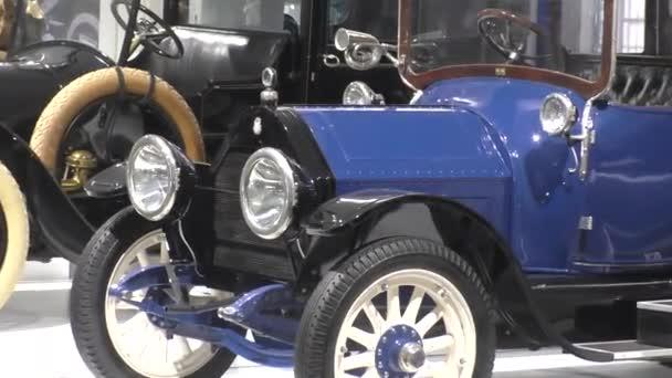 Pyšma, Rusko-03 / 12 / 2021: Výstava retro automobilů. Auto King B Series 36 HP Landaulette, 1913, 80 km / h, kapacita 36 HP, USA. Charles King postavil své první auto na konci XIX století