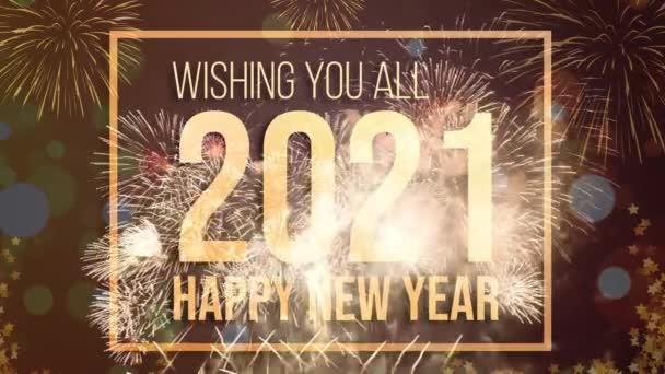 Boldog új évet 2021 ünnepi háttér koncepció. Kívánok mindenkinek és Boldog Új Évet 2021-ben arany ragyogó szöveg gyönyörű tűzijátékokon.