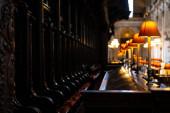 Interiérový pohled na katedrálu sv. Pavla v Londýně, Anglii, Velké Británii