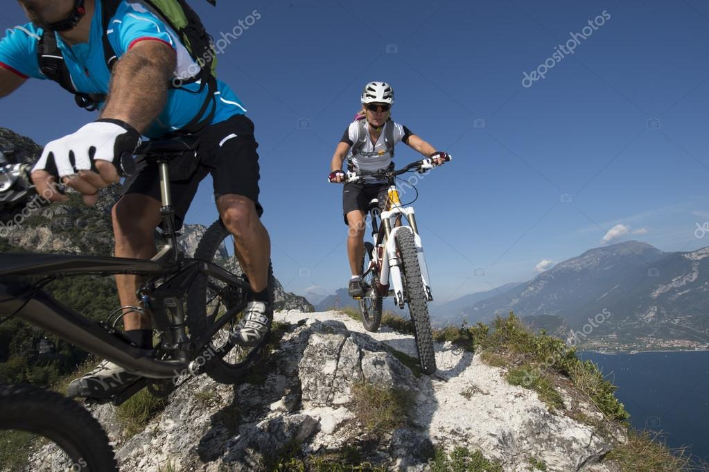 mountain bike downhill - mountainbiking