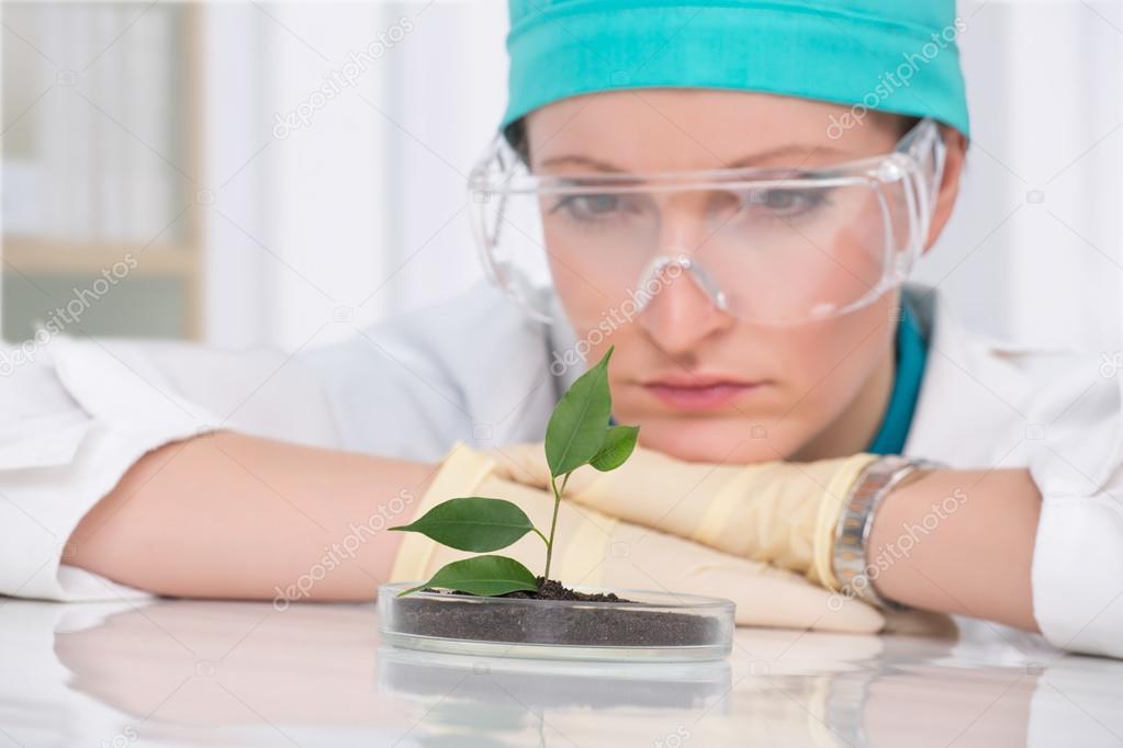 woman biologist at laboratory