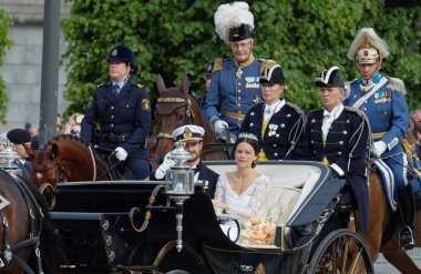 The royal coach carrying the swedish Prince Carl-Philip Bernadot