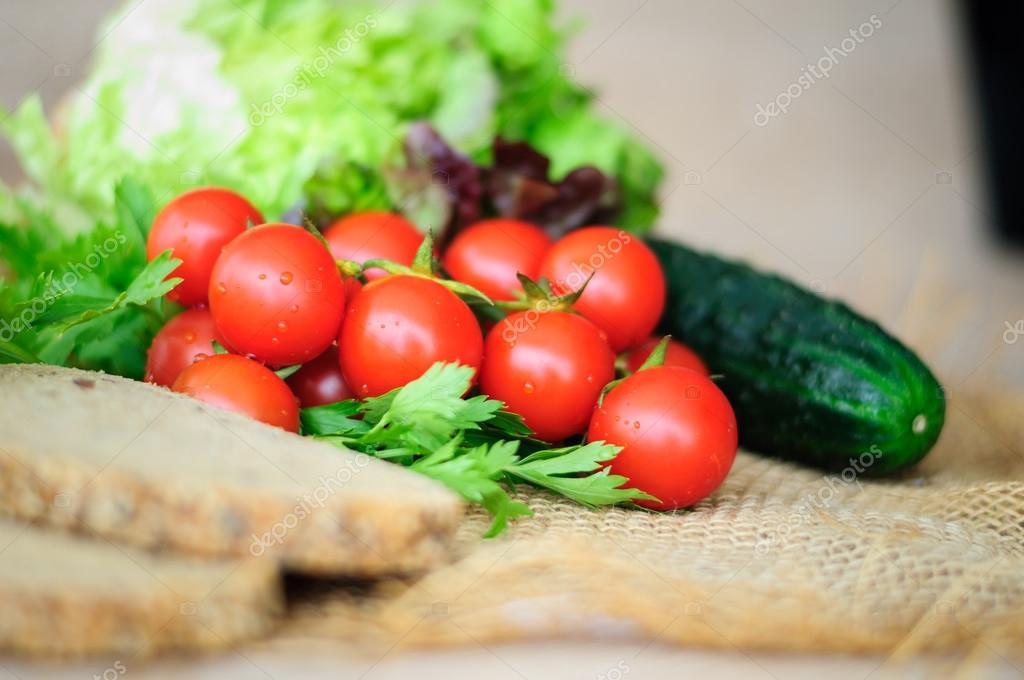 Resultado de imagen de tomate cherry pepino