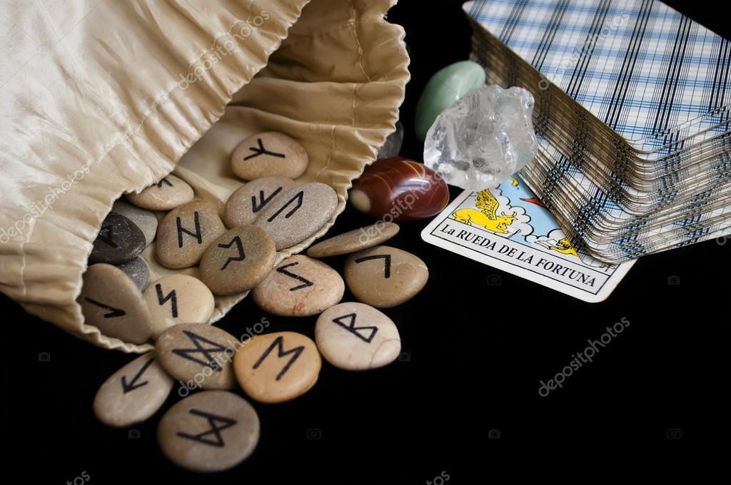 rune et tarot