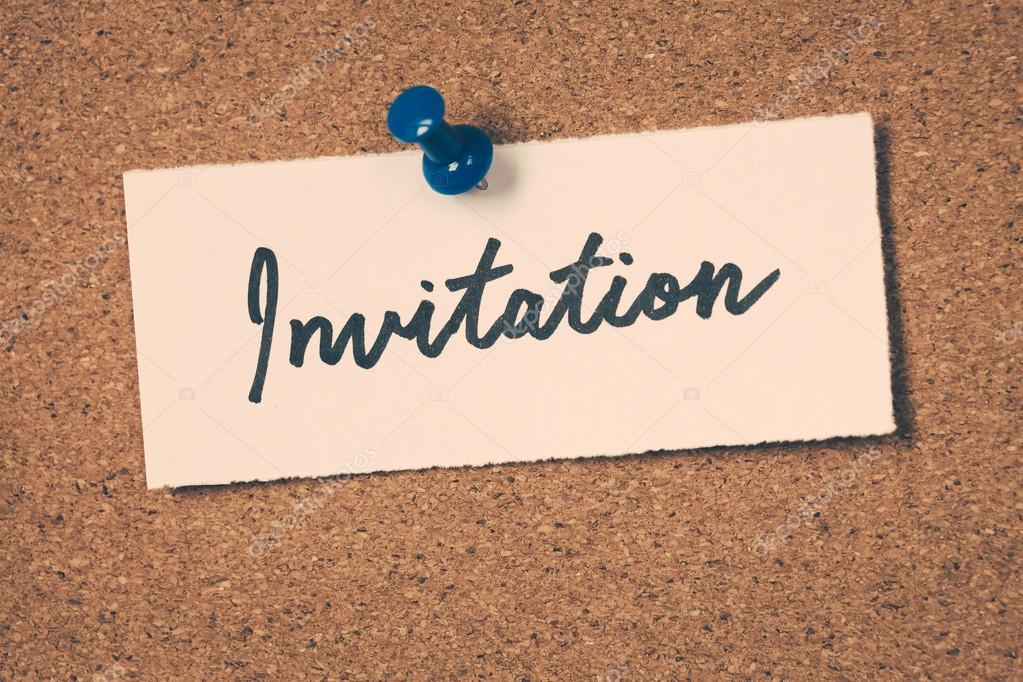 invitation note pinned on the bulletin board stock photo sean824