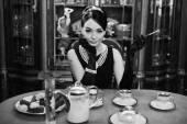 Krásná dívka v obrazu Audrey Hepburn