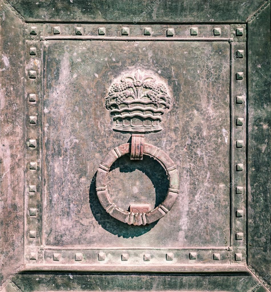 Decorating circular door images : Detail of the circular door knocker of a iron gate. — Stock Photo ...