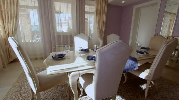 Luxusní byt moderní interiér jídelna