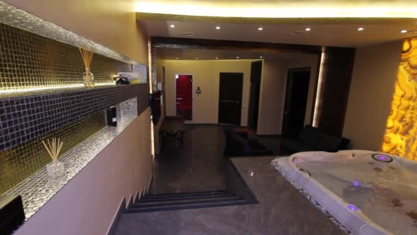 luxe appartement int rieur jacuzzi hammam spa video 99498594. Black Bedroom Furniture Sets. Home Design Ideas