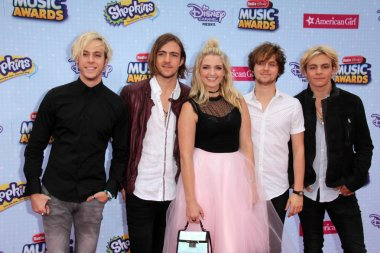 Pop rock band R5